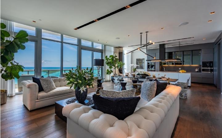 Brickell Bay Drive, Miami, FL
