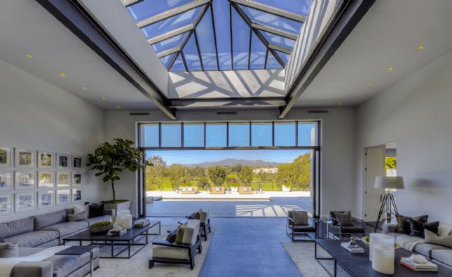 Living area - La Mesa Drive, Santa Monica