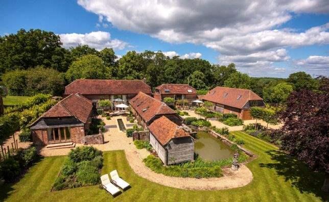 Amblehurst Manor Farm, Billingshurst, West Sussex