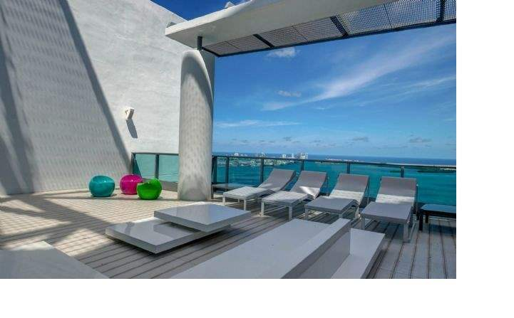 Brickell Bay Drive, Miami - Roof terrace