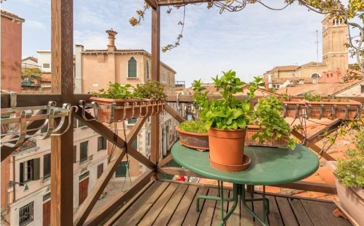 Ca San Toma Attic, San Polo, Venice