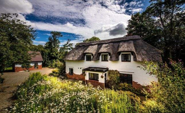 Doonbank Cottage, Alloway, Ayr