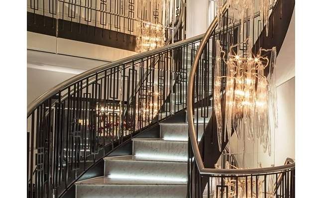 Eccleston Mews Staircase and Chandelier