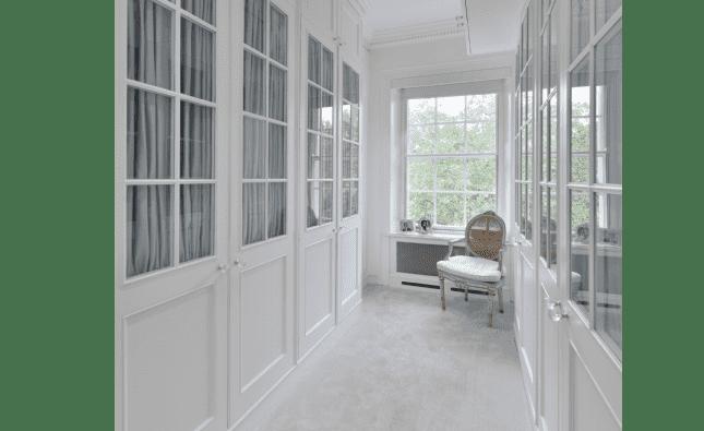 Elizabeth Street Knightsbridge - Dressing room