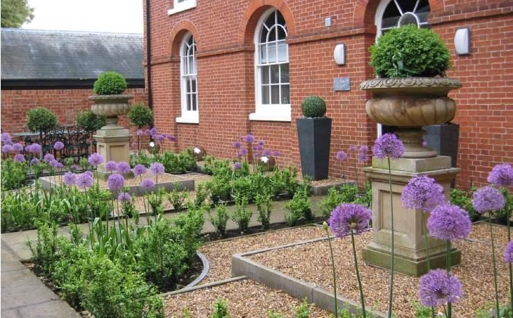 Savills uk blog residential property top tips for a beautiful low maintenance garden - Tips for a lovely garden ...