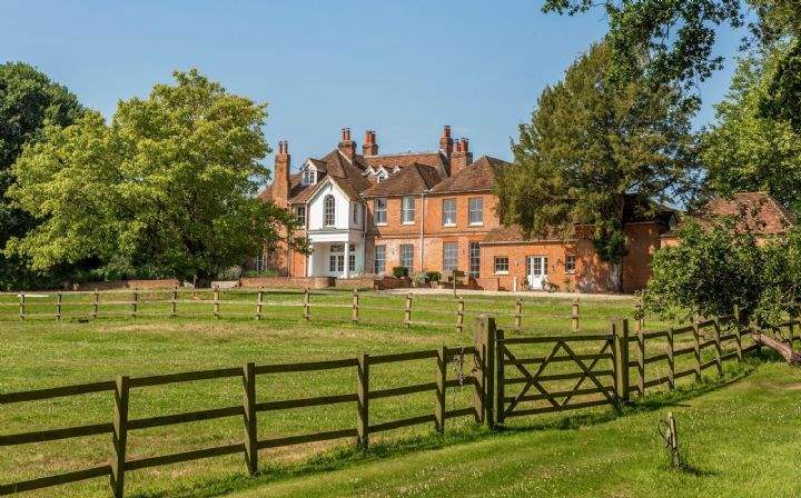 Hall Court, Midgham Green, Reading, Berkshire