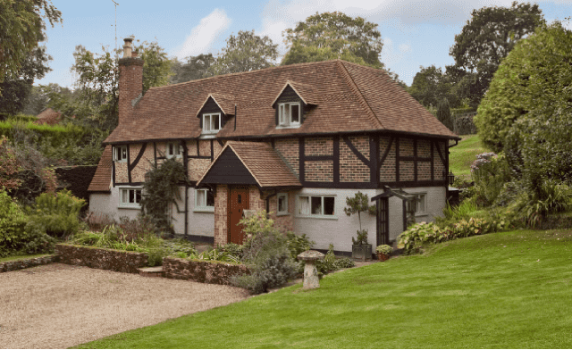 6 of the Best: Hurtwood Cottage, Surrey