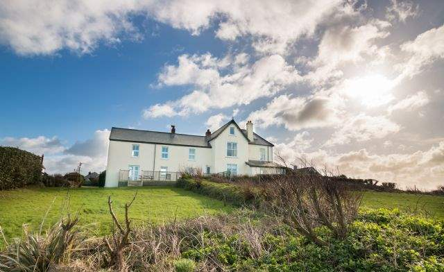 Kynance Bay House, Lizard Village, South Cornwall