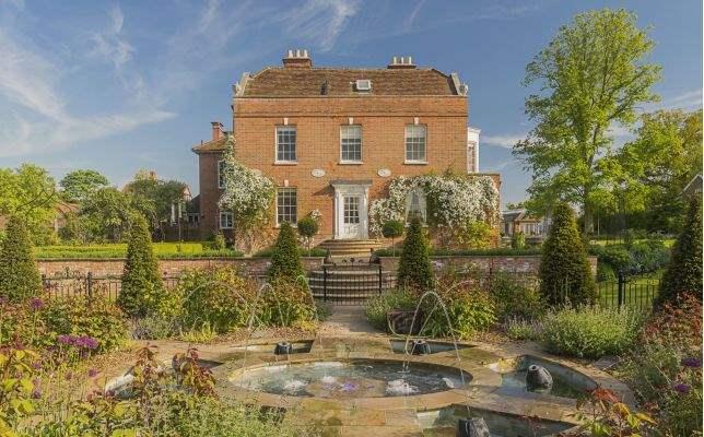 Newington House