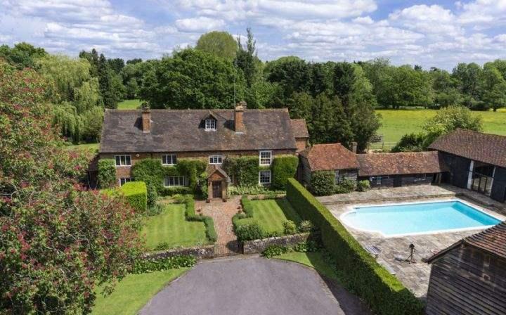 Rye Farm, Cranleigh, Surrey