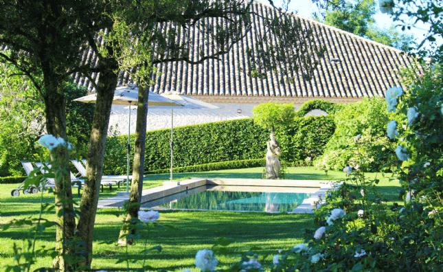 Tarn et Garonne - garden and pool