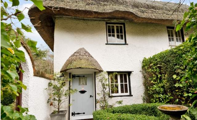 6 of the Best: Thatch Cottage, Berkshire