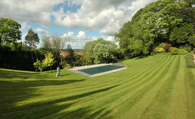 Pool, The Hollies, Cheshire