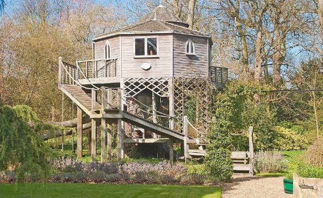 Treehouse - The Old Rectory, Winestead