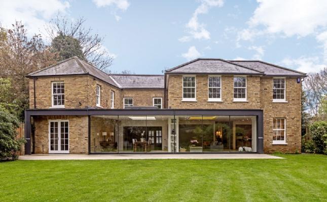 Van Buren Cottage, Queens Ride, London SW13