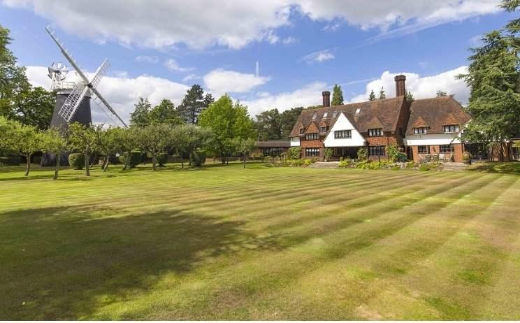 Windmill House, Arkley